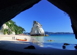cathedral_cove_kayak_tours