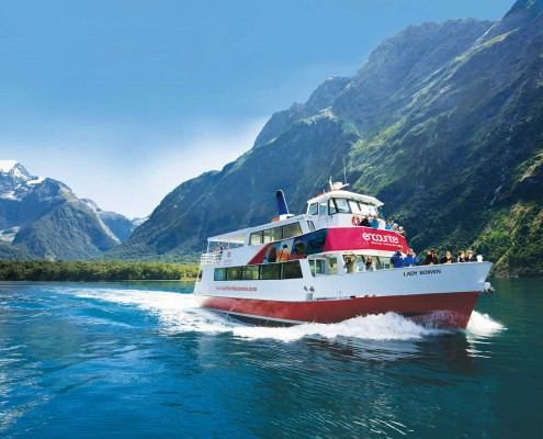 milford-sound-encounter-nature-cruise